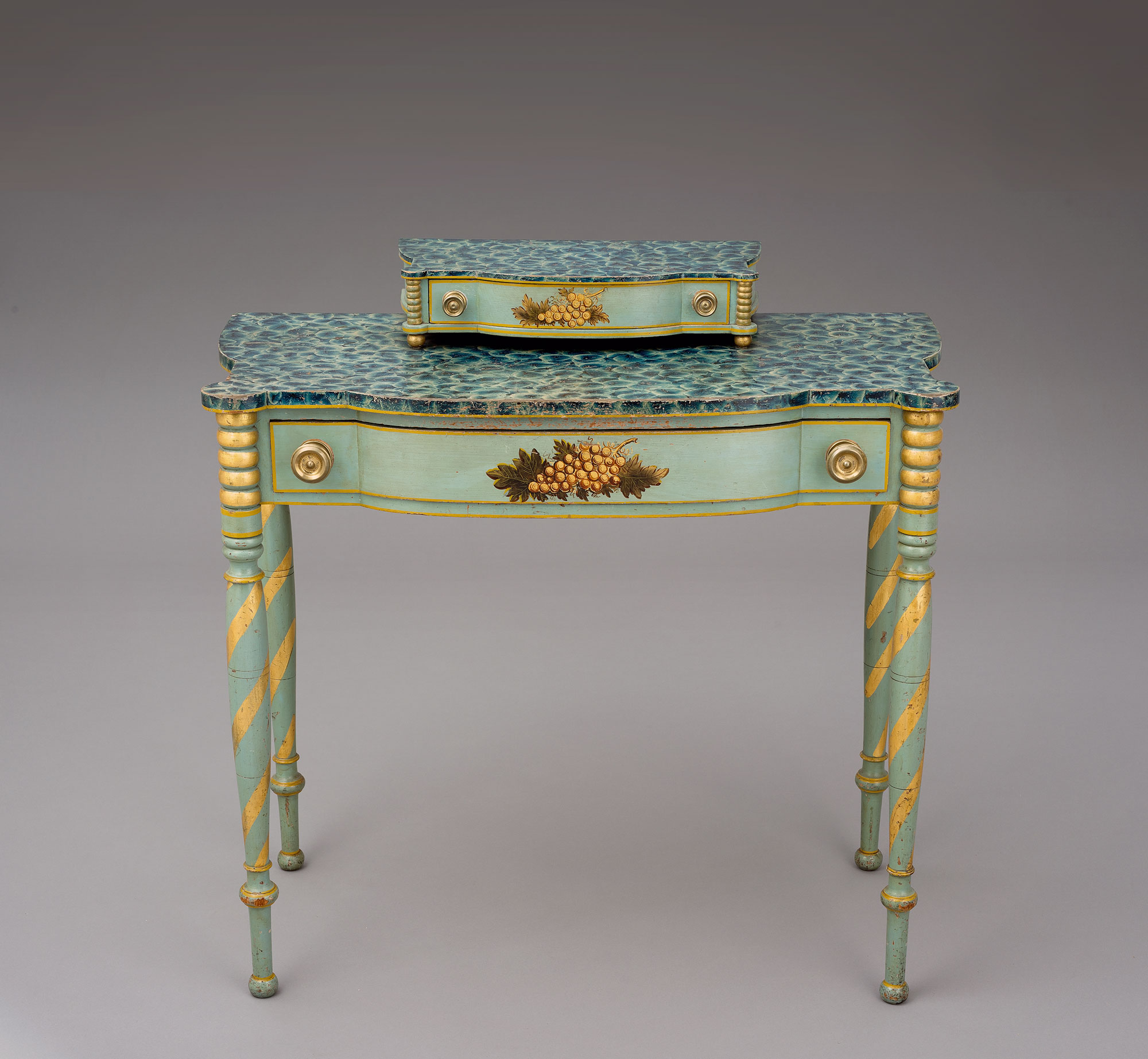 Dressing table, maker unidentified, Portsmouth, New Hampshire, 1815-1825