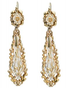 Pair of gold drop earrings, probably England, ca. 1830
